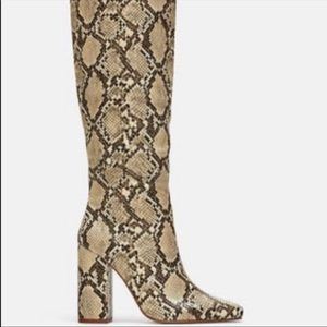 BRAND NEW Zara Snake Skin boot